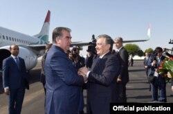 Эмомали Рахмон прибыл с госвизитом в Ташкент.