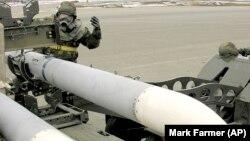 CША за останні 5 років експортували у щонайменше 98 країн свою зброю, зокрема бойові літаки, крилаті і балістичні ракети