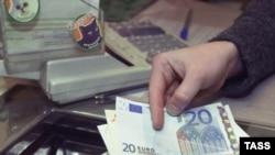 Ставки по валютным вкладам станут ниже
