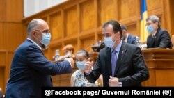 Vicepremierul Kelemen Hunor, președintele UDMR, (stânga) și președintele Camerei, Ludovic Orban, președintele PNL