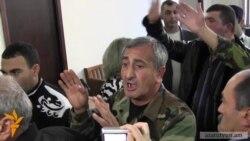 Ազատամարտիկները խոստանում են «կալանքից ազատել» Վոլոդյա Ավետիսյանին