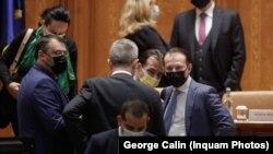 Premierul Florin Cîțu a prezentat Planul Național de Reziliență și Redresare, în Parlament, în linii generale, în 26 mai. Tot atunci, PSD a anunțat depunerea unei moțiuni de cenzură.
