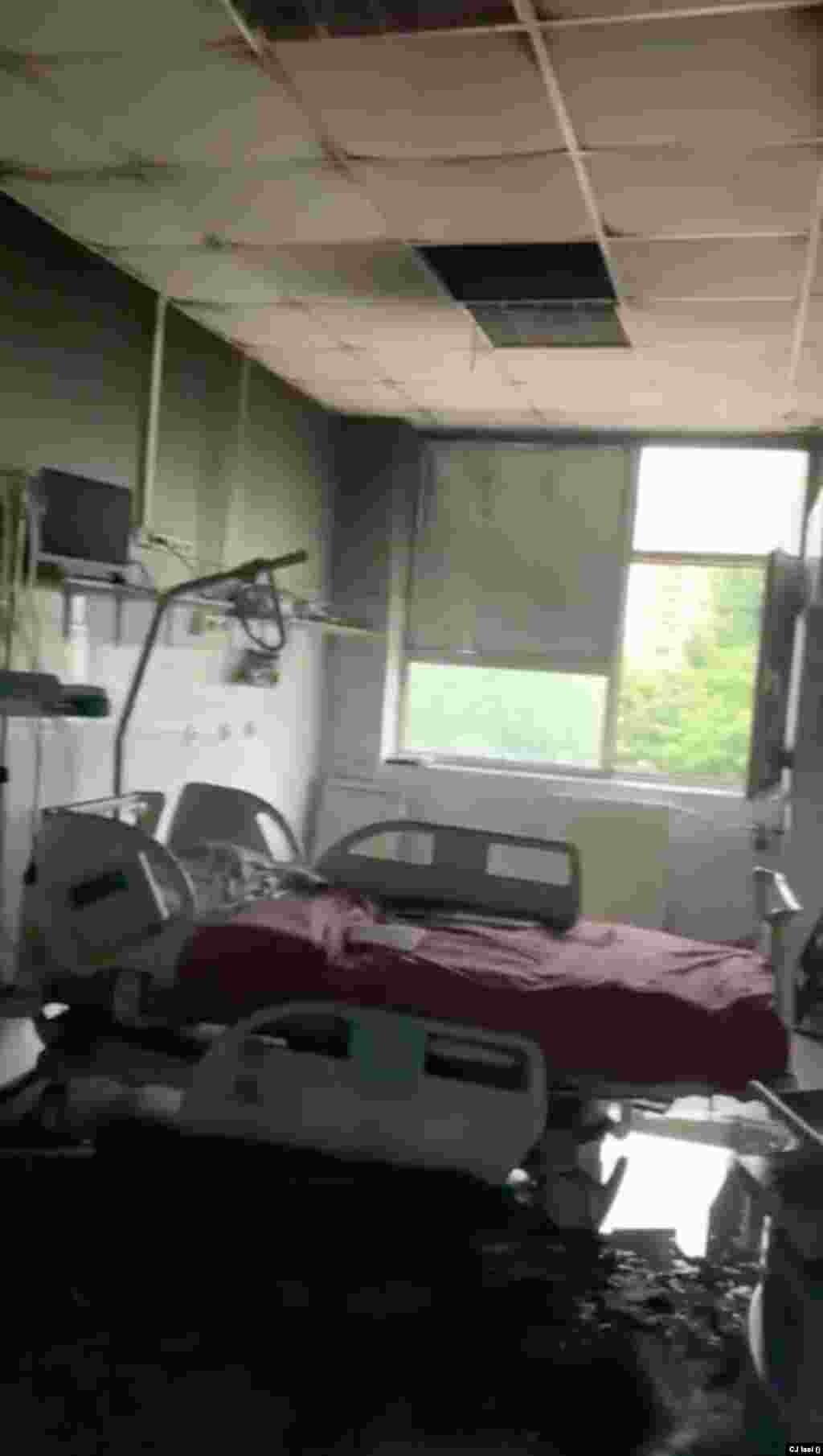 Corpul de clădire nu deține autorizație de securitate la incendiu, la fel ca multe alte unități sanitare din România.