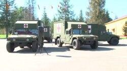 США передали Збройним силам України 5 сучасних медичних реанімобілів (відео)