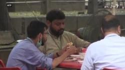 پاکستان کې اوږده موده وروسته پر رستورانونو ګڼه ګوڼه