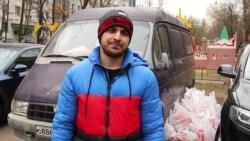 """""""Таджики, узбеки, без разницы – обращайтесь"""". Мигранты в Москве кормят мигрантов"""