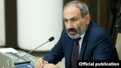 Armenia - Prime Minister Nikol Pashinian speaks at a cabinet meeting in Yerevan, 1 June 2018.