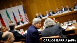 وزیران خارجه و انرژی ایالات متحده در جریان یکی از نشستهای منتج به توافق هستهای ایران
