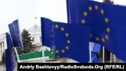 «Політична еліта України відкинула державу назад у розвитку, всупереч сподіванням суспільства» – експерт