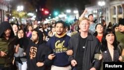 Акция протеста против Дональда Трампа в Окленде (штат Калифорния, 9 ноября 2016 года)