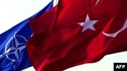 Թուրքիայի և ՆԱՏՕ-ի դրոշները, արխիվ