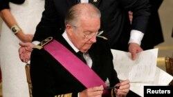 Король Бельгии Альберт II в день отречения от престола в пользу принца Филиппа. Архивное фото