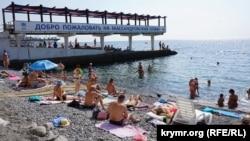 Пляж в Ялте, Крым