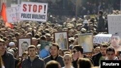 Protestë e shqiptarëve në Gostivar kundër dhunës policore, mars, 2012
