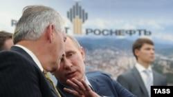 Рекс Тиллерсон и Владимир Путин в Туапсе