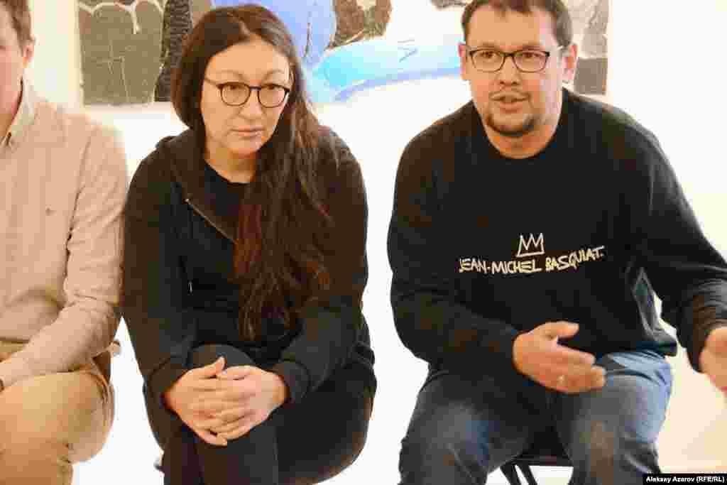 Еще одна семейная пара художников, участвующая в выставке, – Сауле Сулейменова и Куаныш Базаргалиев.