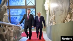 Президент України Петро Порошенко (ліворуч) та президент Казахстану Нурсултан Назарбаєв
