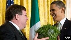 İrlandiyanın Baş naziri Obamaya keçən il dovşan kələmi verib