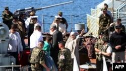اجلاء مواطنين اجانب من ليبيا- من الارشيف