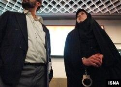 افسانه نوروزی در حاشیه یکی از جلسات دادگاهش در کیش