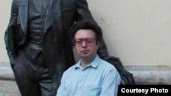 Культуролог Михаил Золотоносов