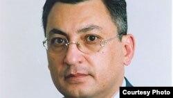 Rövşən Rzayev: 'Bunu erməni lobbisinin təzyiqi altında verilmiş çağırış kimi qiymətləndirirəm'