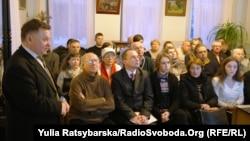 Дослідник Микола Чабан розповідає аудиторії про постать і творчість Миколи Мінька