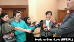 Министр здравоохранения и социального развития Тамара Дуйсенова (в центре).