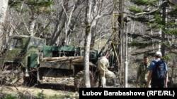На склонах сахалинских гор вовсю идут изыскательские работы