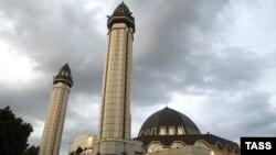 بسياری از مردم آلمان از طرح ساختن ۱۸۰ مسجد در اين کشور مخالفت کرده اند. (عکس: Itar-Tass)