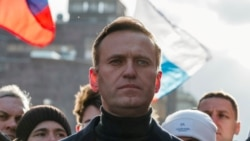 Showdown In Moscow: Navalny Risks Jail With Return To Russia