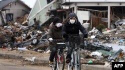 Јапонија-опустошена област по земјотресот и цунамито во март