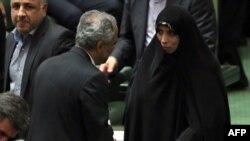 Вице-президент Ирана Эльхам Аминзаде на сессии парламента. Тегеран, 12 августа 2013 года.