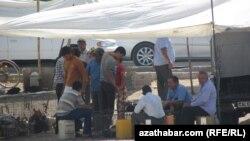 В эти дни туркменистанцы обсуждают возможное повышение цен. (иллюстративное фото)