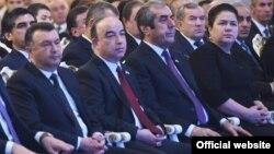 Спикеры двух палат таджикского парламента между премьер-министром и руководителем президентской администрации
