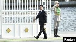 Türkmenistanyň prezidenti 26-njy martda, gijäniň ýarynda ýurduň harby goşunynyň söweş taýýarlygyny barlamagy buýurdy.