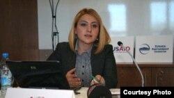 Алин Озинян представляет результаты своего исследования в стамбульском Институте Kultur, 15 февраля 2010 г.