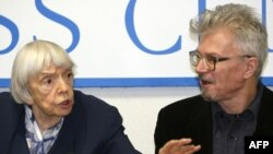 Human rights activist Lyudmila Alekseyeva (left) and Eduard Limonov at a press conference in Moscow in January.