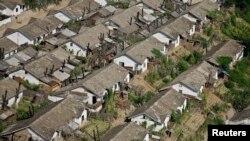 Pamje nga Korea veriore, qyteti Manpo, provinca Chagang