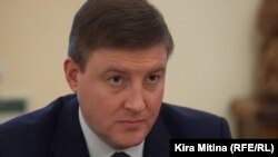 Pskov Governor Andrei Turchak was one of the Russian officials singled out for criticism by a pro-Kremlin daily.