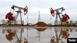 Нафтавае радовішча ў Гомельскай вобласьці. Ілюстрацыйнае фота