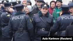 Әзербайжан полицейлері (Көрнекі сурет).