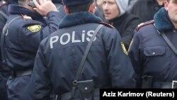 Polis. Foto arxiv