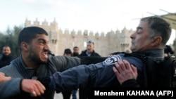 Полиция менен кагылышуу. 7-декабрь, Израил.