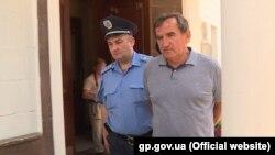 15 липня поліція затримала та вручила повідомлення про підозру столичному забудовнику Анатолію Войцехівському