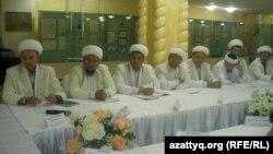 Облыс имамдары әкімнің ауызашарына жиналды. Ақтөбе, 3 тамыз 2012 жыл.