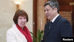 ÝB-niň daşary syýasat boýunça wekili K.Aşton we Gyrgyzystanyň daşary işler ministri E.Abdyldaýew, Bişkek, 27-nji noýabr, 2012.