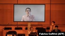 Опозиционната лидерка Святлана Циханоуска говори по видео конферентна връзка пред Съвета на ООН за човешките права.