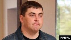 Қостанай облыстық жол полициясы басқармасының бұрынғы батальон командирі, бұрынғы полиция майоры Ростислав Аргатов сот залында. Қостанай, маусым, 2009 ж.