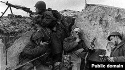 На переднем крае. Западный фронт. 1942 г.